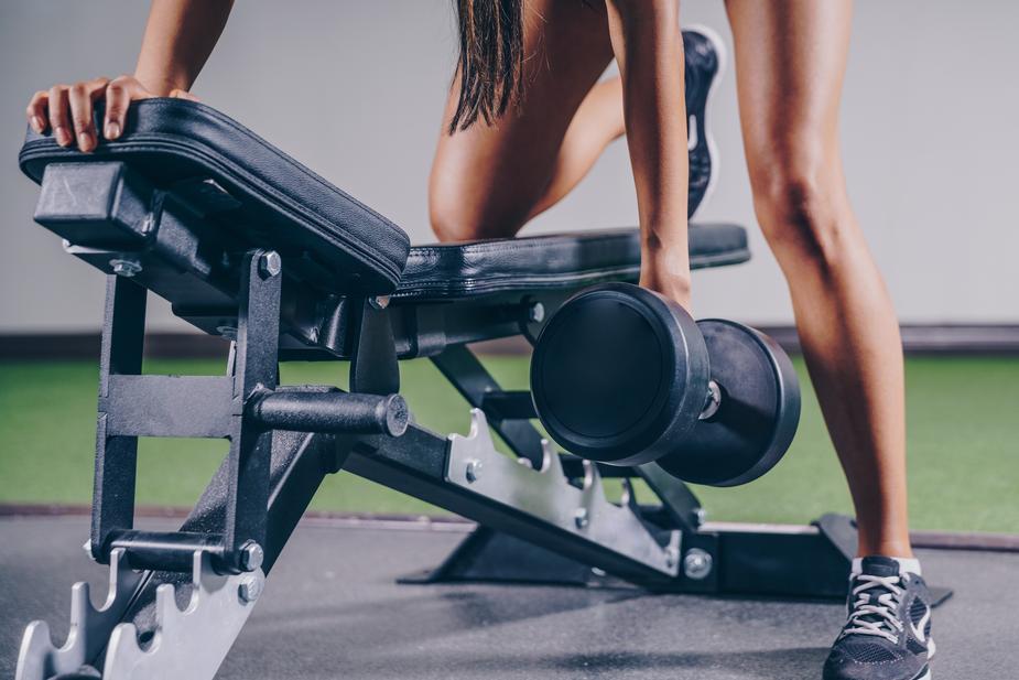 entrenamiento de fuerza con pesas